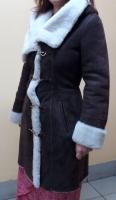 Дубленка женская с капюшоном «ARMO». Цвет – капуччино. Размер 38. Длина 90 см. Новая